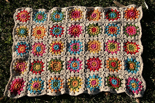 plaid ou throw en granny squares